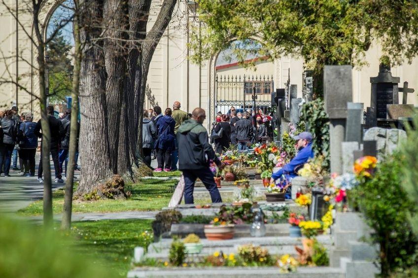 pohreb hrbitov